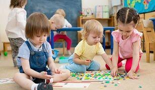 """Brak miejsc dla dzieci w przedszkolach. Rodzice są wściekli: """"to jest polityka prorodzinna?"""""""