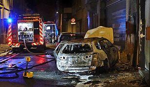 Spalony samochód po bijatyce w Antwerpii