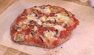 Razowa pizza w prostym przepisie Moniki Mrozowskiej