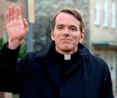 """Ojciec William J. O'Malley z """"Egzorcysty"""" oskarżony o molestowanie seksualne"""
