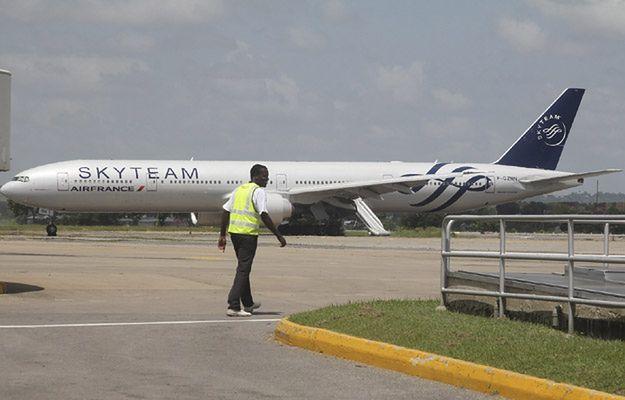 Dwie osoby zatrzymane ws. fałszywego alarmu bombowego w samolocie Air France