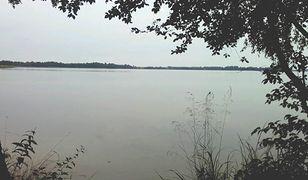Ciało mężczyzny znaleziono kilka metrów od brzegu