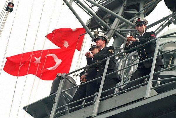 Oficerowie tureccy na fregacie