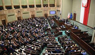 Koronawirus w Polsce. Posiedzenie Sejmu ws. zmiany regulaminu