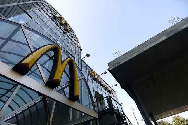 Baloniki, daszki i szkolne wycieczki. 25 lat McDonald's w Polsce