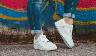 Buty na platformie są idealne dla zabieganych kobiet - stylowe i wygodne