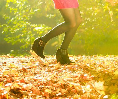 Botki na koturnie to bardzo wygodne obuwie na jesień