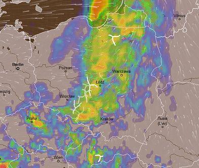 Prognoza opadów i burz nad Polską w piątek po godz. 17