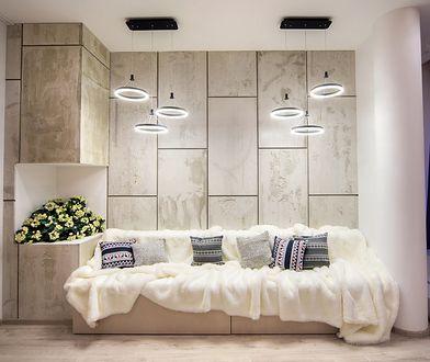 10 pomysłów na oświetlenie sufitu podwieszonego. W mig odmienisz wnętrze