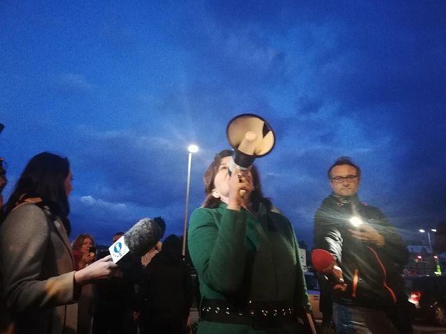 Działacze Wiosny zorganizowali projekcję filmu Sekielskiego dla abp Głódzia
