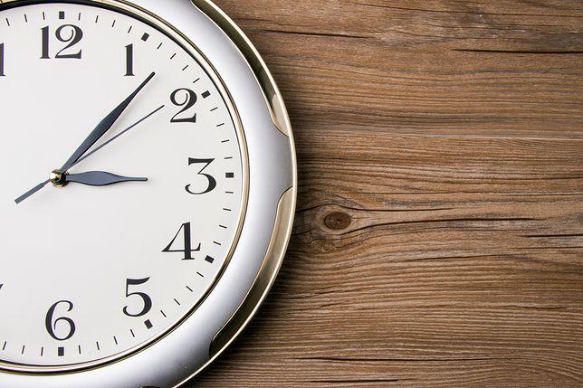 Zmianę czasu w UE reguluje przepis z 19 stycznia 2001 roku