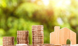 Aby obliczyć koszty utrzymania domu, warto posłużyć się prostymi narzędziami, takimi jak arkusze kalkulacyjne i aplikacje mobilne
