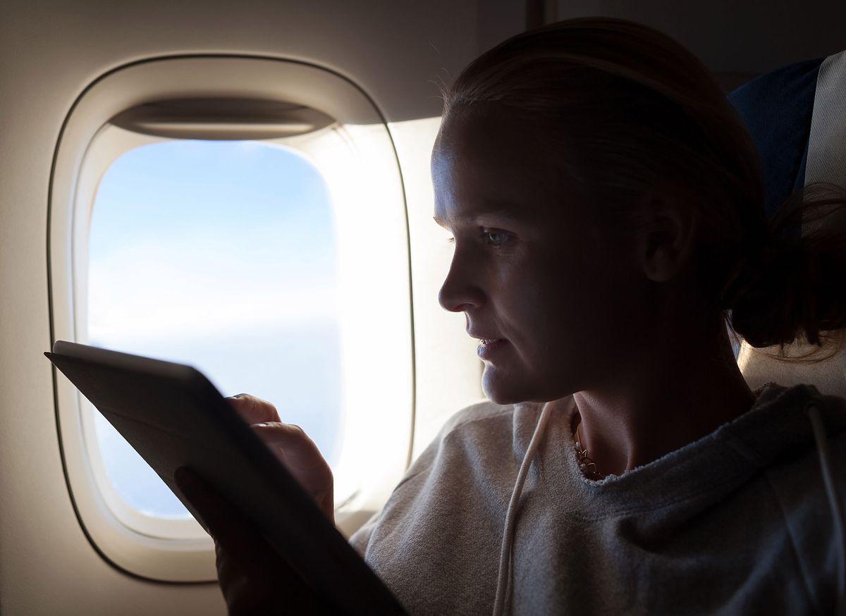 W czasie lotu odkryła, że mąż ma romans. Samolot musiał lądować awaryjnie
