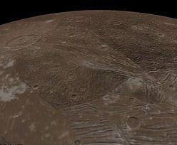 NASA pokazuje niewidziane wcześniej zdjęcia lodowego księżyca