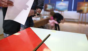 Wyniki wyborów samorządowych 2018 - rekordowa frekwencja przy urnach