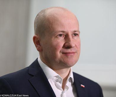 Wybory parlamentarne 2019. Poseł PiS Bartłomiej Wróblewski tłumaczy się z użycia wizerunku burmistrzów