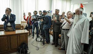 Zniszczył rzeźbę Jana Pawła II. Sąd umorzył sprawę [GALERIA]