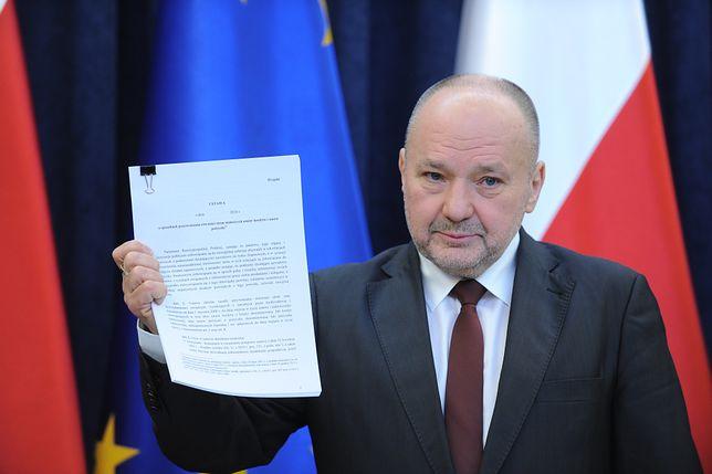 Maciej Łopiński, mimo iż nie jest już prezydenckim ministrem, mieszka w willi Kancelarii Prezydenta