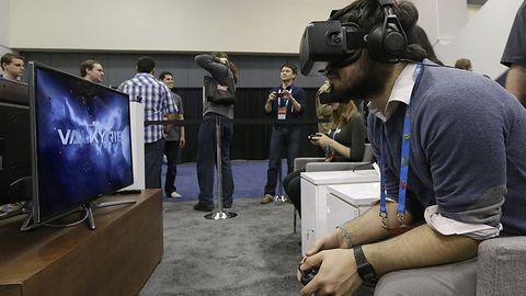 Oculus Rift nową zabawką Zuckerberga. Jak Facebook wykorzysta wirtualną rzeczywistość?