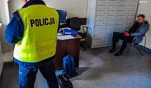 """Śląsk. Ukrainiec z """"fantazją"""". Jechał pod wpływem narkotyków, był poszukiwany i miał skradzione tablice rejestracyjne"""