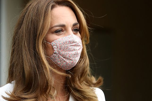 Księżna Kate pierwszy raz pokazała się w maseczce. Wróciła do obowiązków