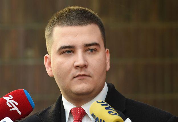 Bartłomiej Misiewicz zawieszony w MON. Prokuratura bada sprawę zatrudnienia w Polskiej Grupie Zbrojeniowej
