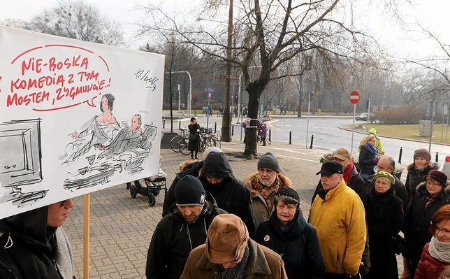 """""""Ulica Wielki Korek"""". Żoliborzanie protestowali przeciwko budowie mostu Krasińskiego [ZDJĘCIA]"""