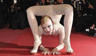 Zobacz, co ona potrafi zrobić z nogami