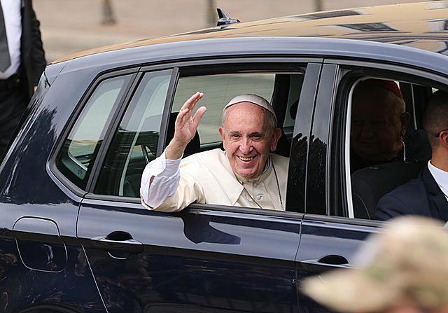 Papież wrócił do Krakowa. Po odpoczynku msza na Błoniach