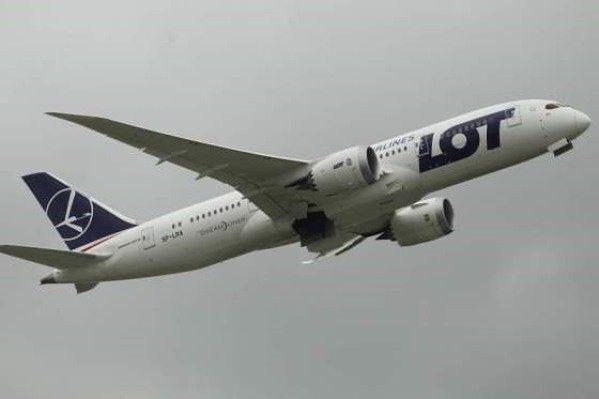 Jest śledztwo w sprawie śmierci trzylatka na pokładzie samolotu PLL LOT