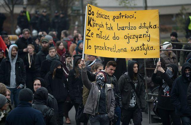 Demonstracja przeciw faszyzmowi i ksenofobii przeszła ulicami Warszawy [ZDJĘCIA]