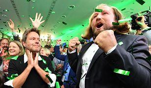 Radość w sztabie Zielonych na wieść o wynikach głosowania