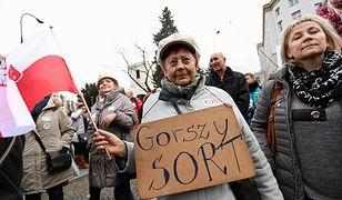 """Przewodniczący KOD-u, Krzysztof Łoziński, uważa, że PiS ma problem z gloryfikowaniem politycznego """"chama"""""""