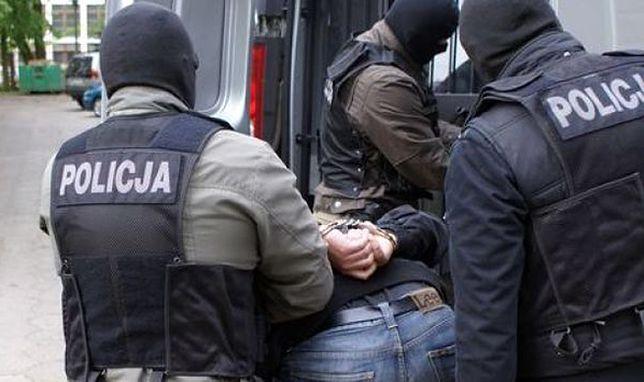 Żołnierze i policjanci w grupie hurtowo handlującej narkotykami