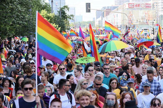 Europarlament podjął decyzję ws. małżeństw jednopłciowych i związków partnerskich