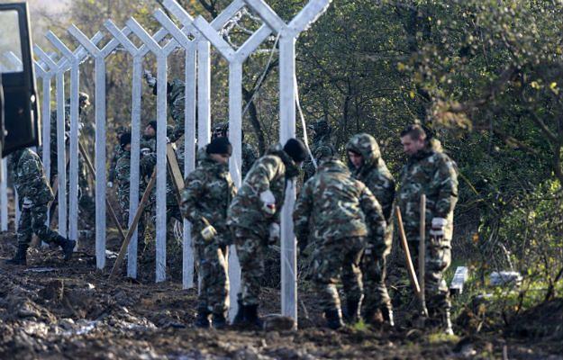 Macedońscy żołnierze przy południowej granicy z Grecją