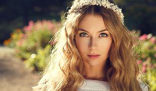 Fryzury ślubne z opaską cieszą się szczególnym powodzeniem u panien młodych boho