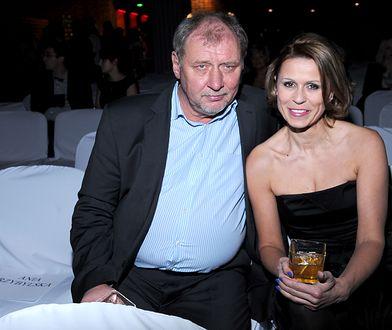 Żona Grabowskiego nie stawiła się w sądzie. Ciężki rozwód aktora i Anity Kruszewskiej