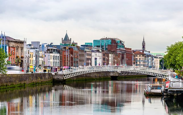 Stolica Irlandii przyciąga gości specyficzną atmosferą. Romantyczny duch otacza najstarsze zabytki miasta