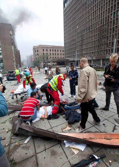 Minister chwali policję za akcję po masakrze w Norwegii
