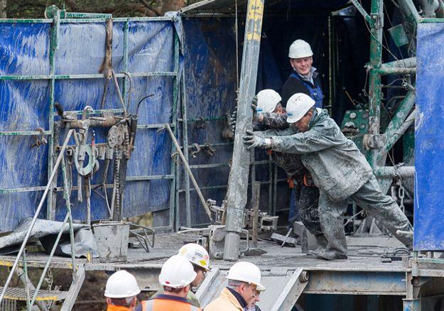 Akcja poszukiwawcza dwóch górników zaginionych po wstrząsie w kopalni Wujek