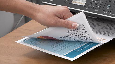Epson: badania mówią jasno – papier nie zniknie z biur