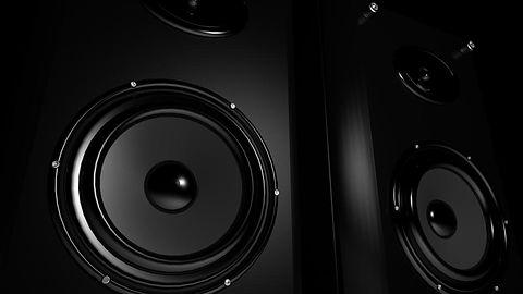 """Bitwa o wyłączność– """"rewolucję"""" usług muzycznych można spisać na straty?"""