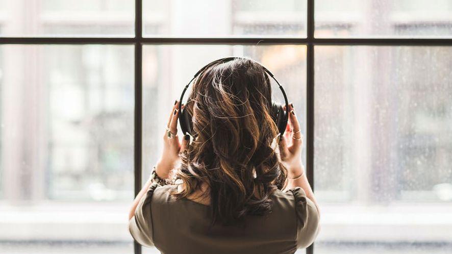 Weź ze sobą muzykę, nie smartfon: przegląd odtwarzaczy MP3