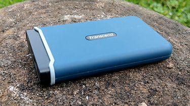 Transcend ESD350C 480 GB – więcej niż zwykły SSD USB (test) - Transcend ESD350C ma niezłe osiągi jak na SSD USB (fot. Jan Domański, dobreprogramy)
