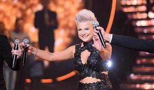 Magda Narożna jest wokalistką grupy Piękni i Młodzi