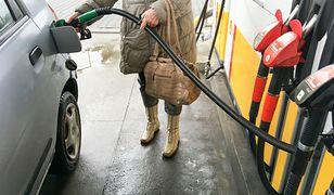 Benzyna jest dziś wyraźnie tańsza od oleju napędowego. Wkrótce ma jednak nieco podrożeć