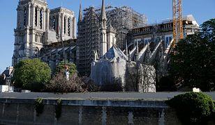 Francja. Plac przed katerdrą Notre-Dame w Paryżu znowu otwarty dla turystów