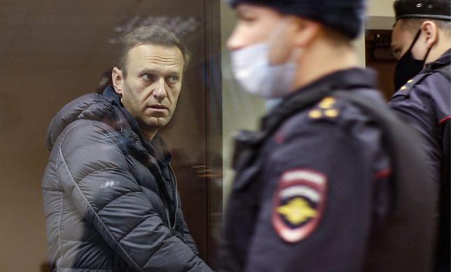 Aleksiej Nawalny podczas rozprawy w sądzie