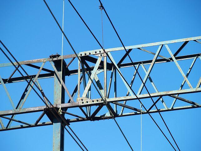 16-latek został porażony prądem, bo prawdopodobnie dotknął sieci trakcyjnej